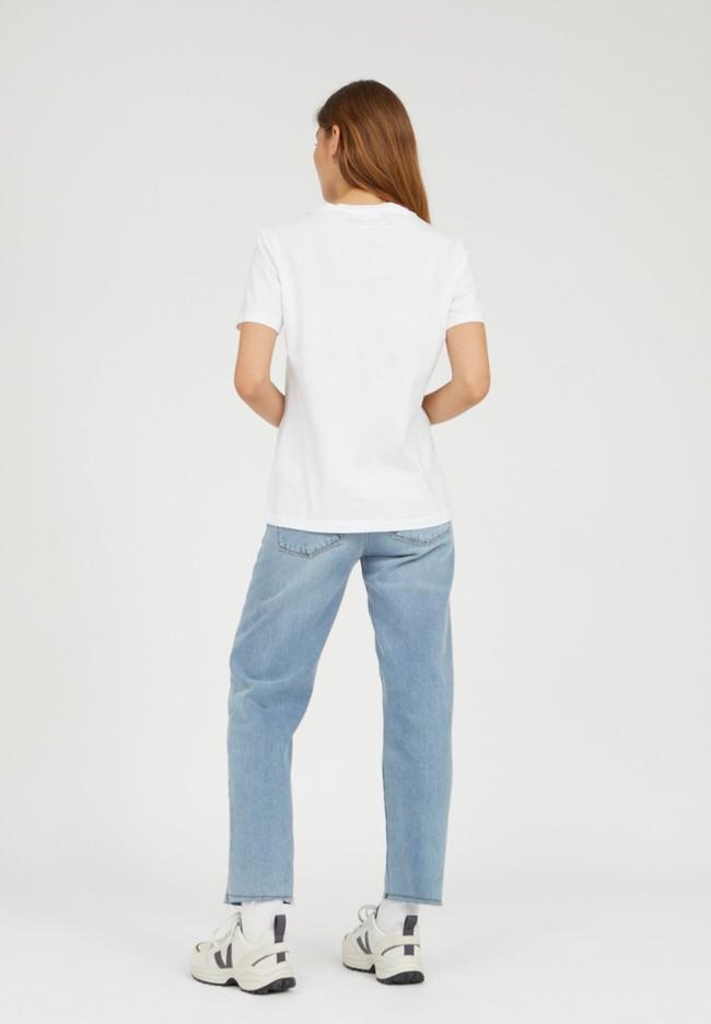 T-shirt brodé blanc en coton bio - maraa mindset - Armedangels num 3