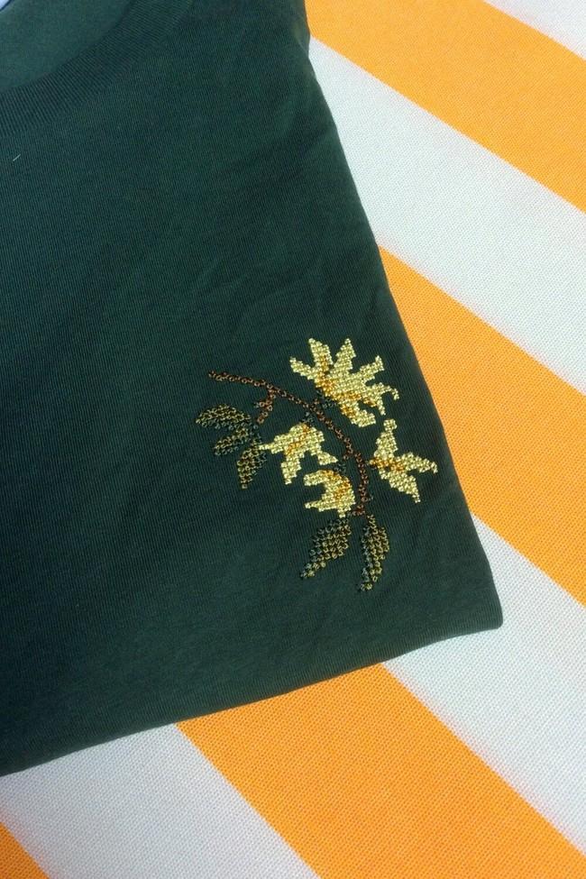 T-shirt brodé vert bouteille en coton bio - jasmin - Johnny Romance num 1