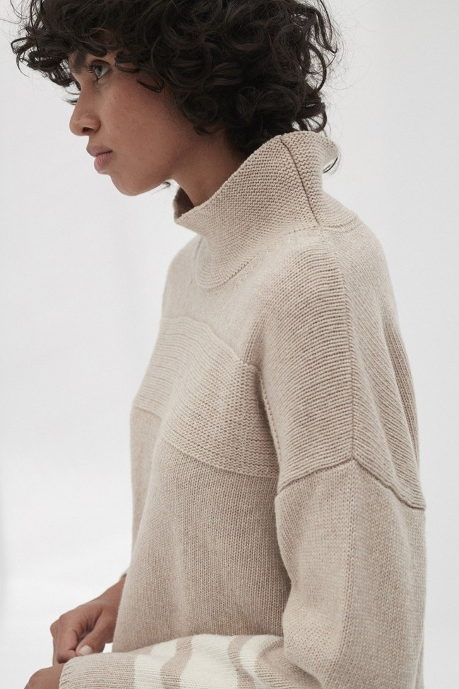 Pull en maille col haut beige en laine recyclée - dema - Ecoalf num 2