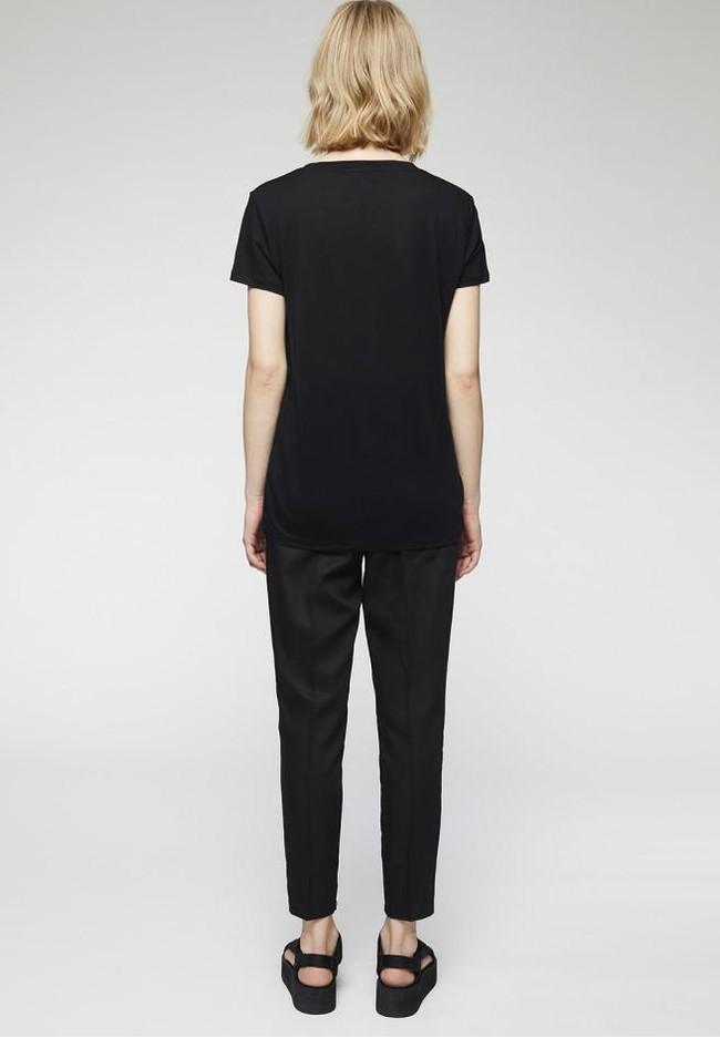 T-shirt col v noir en tencel - juliaa - Armedangels num 4