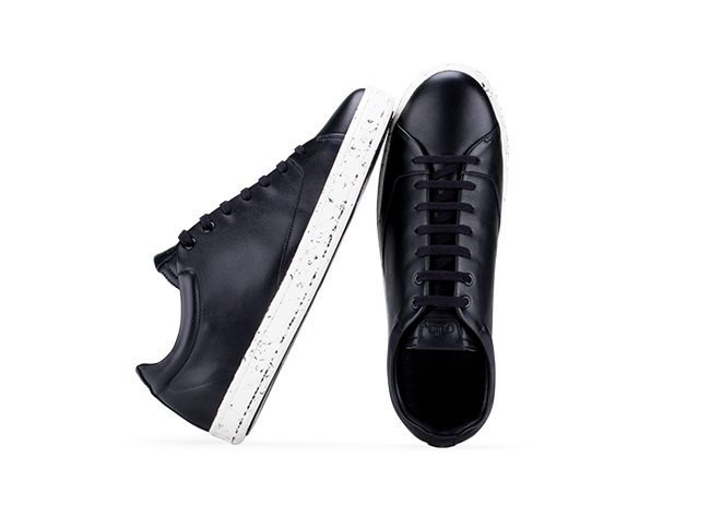 Chaussure en gravière cuir noir / semelle mouchetée - Oth num 1