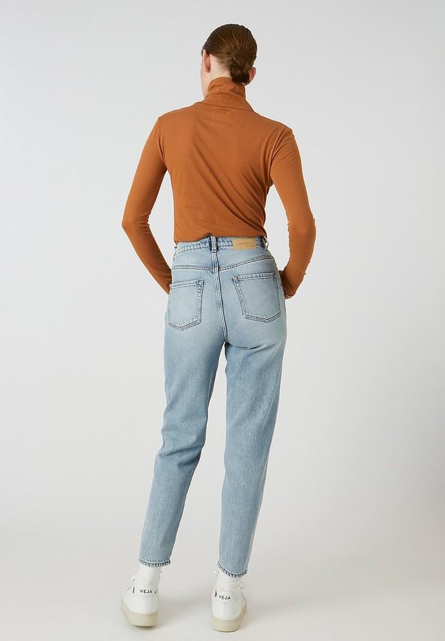 T-shirt manches longues col roulé marron en coton bio - malenaa - Armedangels num 2