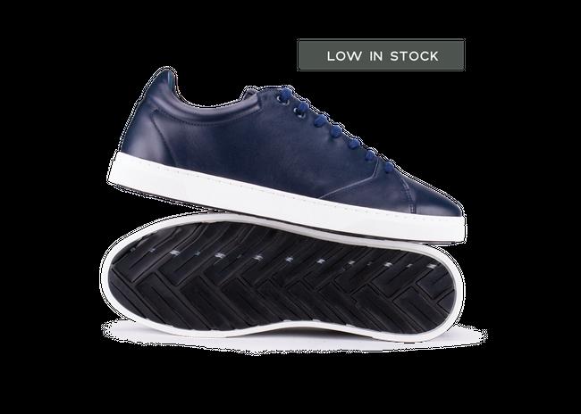Chaussure en gravière cuir marine / semelle blanc - Oth