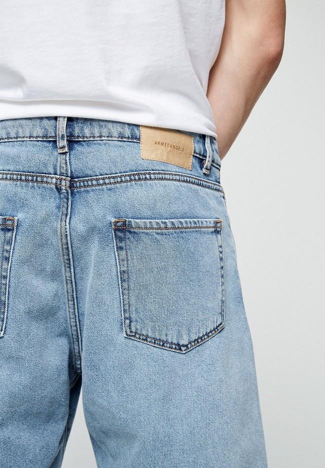 Short jean bleu clair délavé en coton bio - haauke - Armedangels num 2