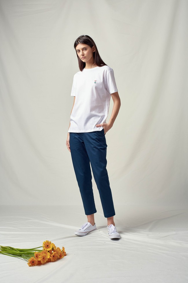 T-shirt coton bio broderie main flower - Noyoco num 1