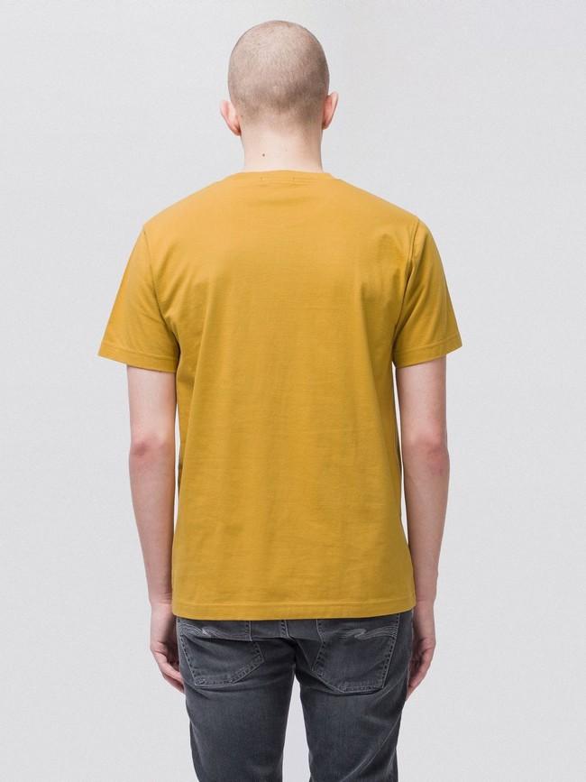 T-shirt jaune en coton bio - daniel - Nudie Jeans num 2