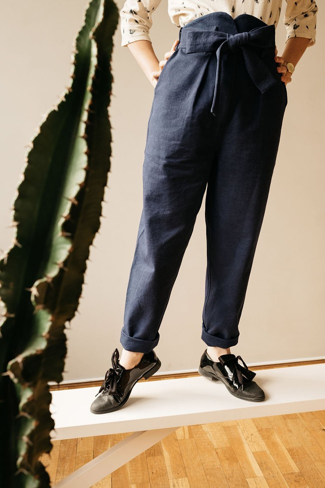 Le Pantalon Zephyr Marine en coton bio - Atelier Unes