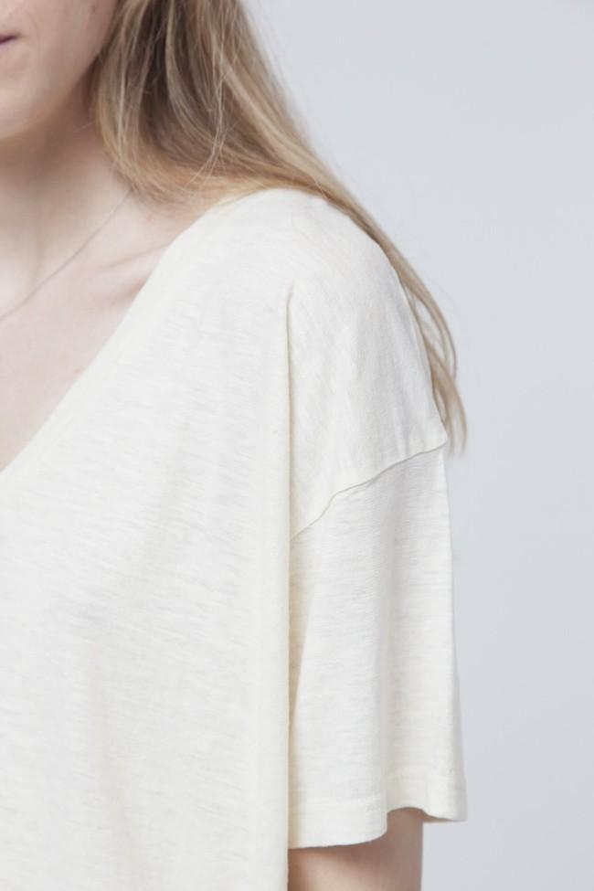 T-shirt uni col v écru en chanvre et coton bio - chloe - Thinking Mu num 2