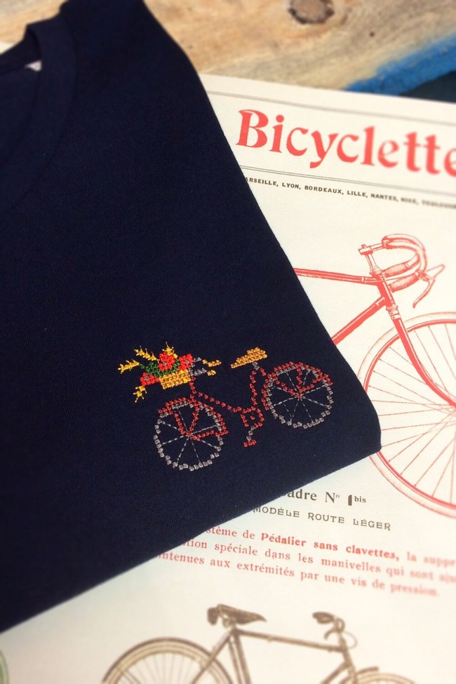T-shirt brodé marine en coton bio - vélo - Johnny Romance