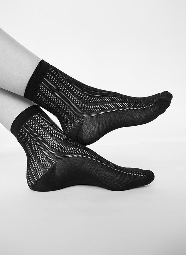 Chaussettes hautes noires à motifs en polyamide recyclé - klara - Swedish Stockings num 1