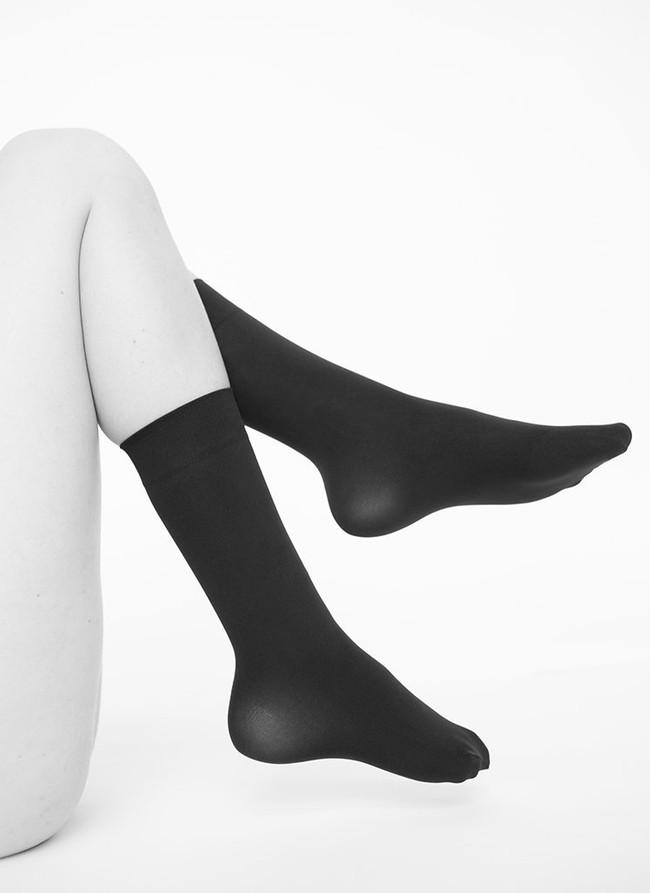 Chaussettes hautes 60 deniers noires recyclées - ingrid - Swedish Stockings num 1