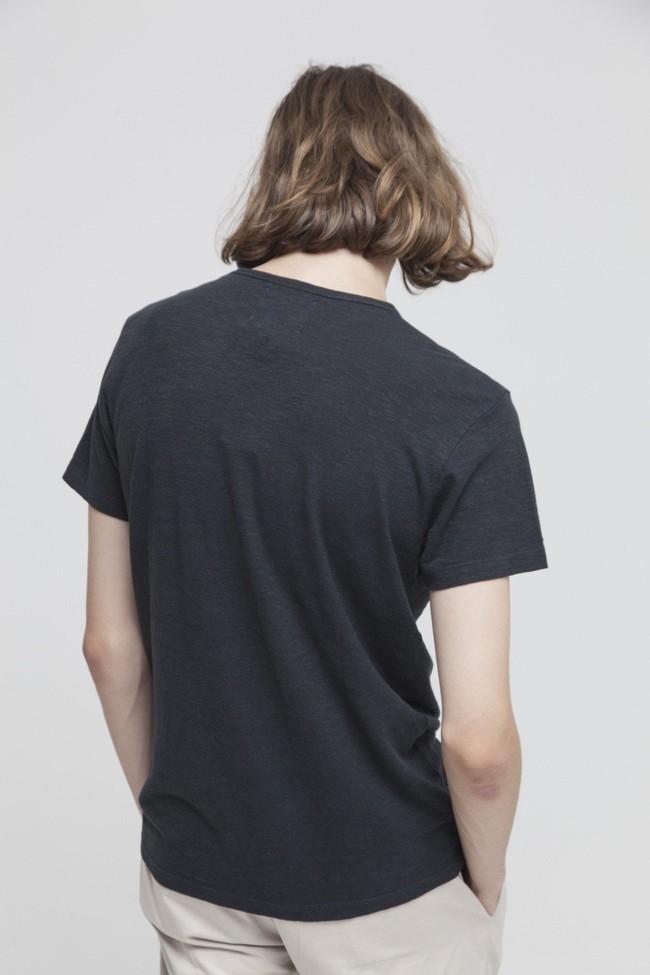 T-shirt uni noir en coton bio - Thinking Mu num 1