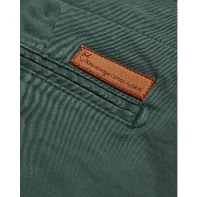 Short chino vert forêt en coton bio - Knowledge Cotton Apparel num 3