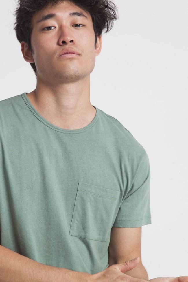 T-shirt uni vert avec poche en coton bio - Thinking Mu num 1