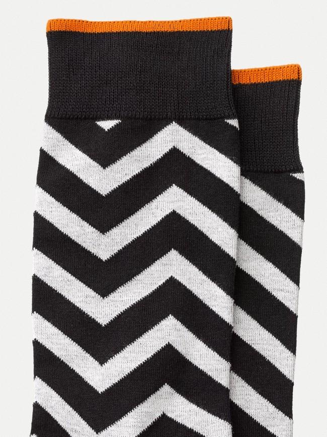 Chaussettes hautes motif zigzag noir et blanc - olsson zigzag - Nudie Jeans num 1