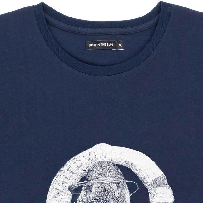 T-shirt en coton bio navy walrus - Bask in the Sun num 1