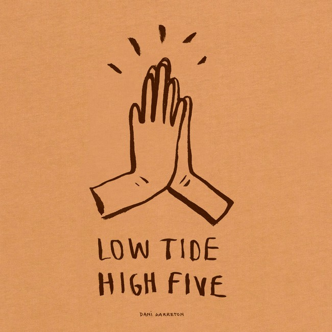 T-shirt en coton bio brown high five - Bask in the Sun num 2