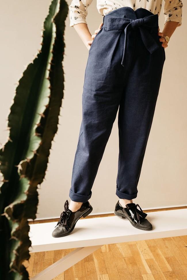 Le Pantalon Zephyr en coton bio - marine - Atelier Unes