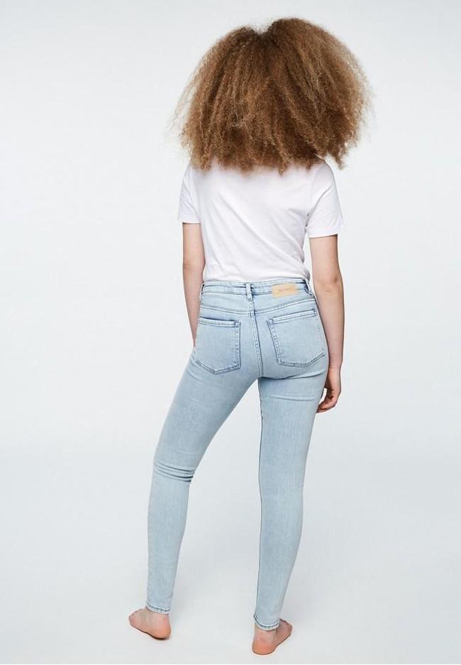 Jean skinny bleu clair en coton bio et tencel - tilly - Armedangels num 1