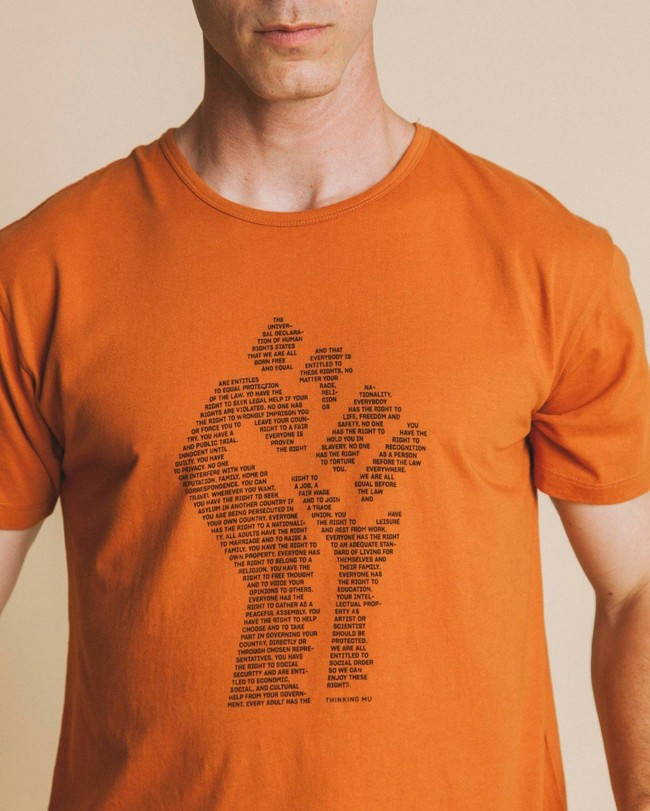 T-shirt imprimé terracotta en coton bio - human rights - Thinking Mu num 1