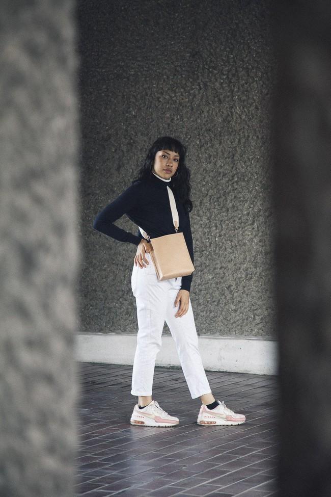 Sac beige en cuir recyclé - book bag - Walk with me num 3