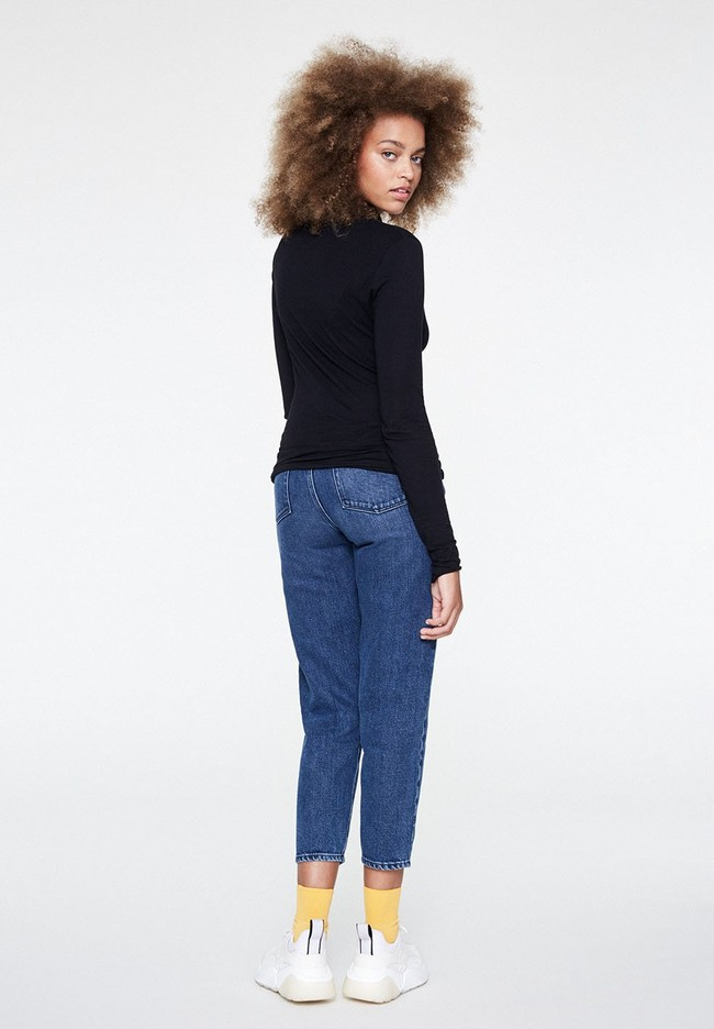 T-shirt manches longues col roulé noir en coton bio - malenaa - Armedangels num 3
