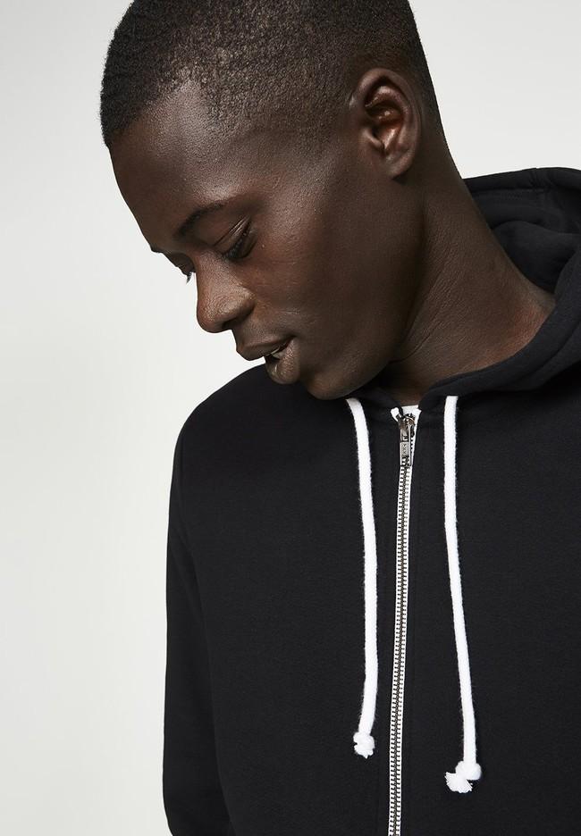 Veste zippée noire en coton bio et polyester recyclé - joaa - Armedangels num 1