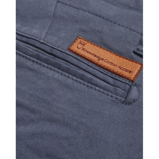 Short chino bleu en coton bio - Knowledge Cotton Apparel num 3