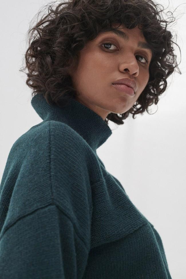 Pull en maille col haut vert en laine recyclée - dema - Ecoalf num 2