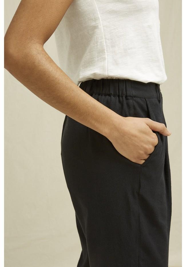 Pantalon droit noir en coton bio - anwen - People Tree num 3