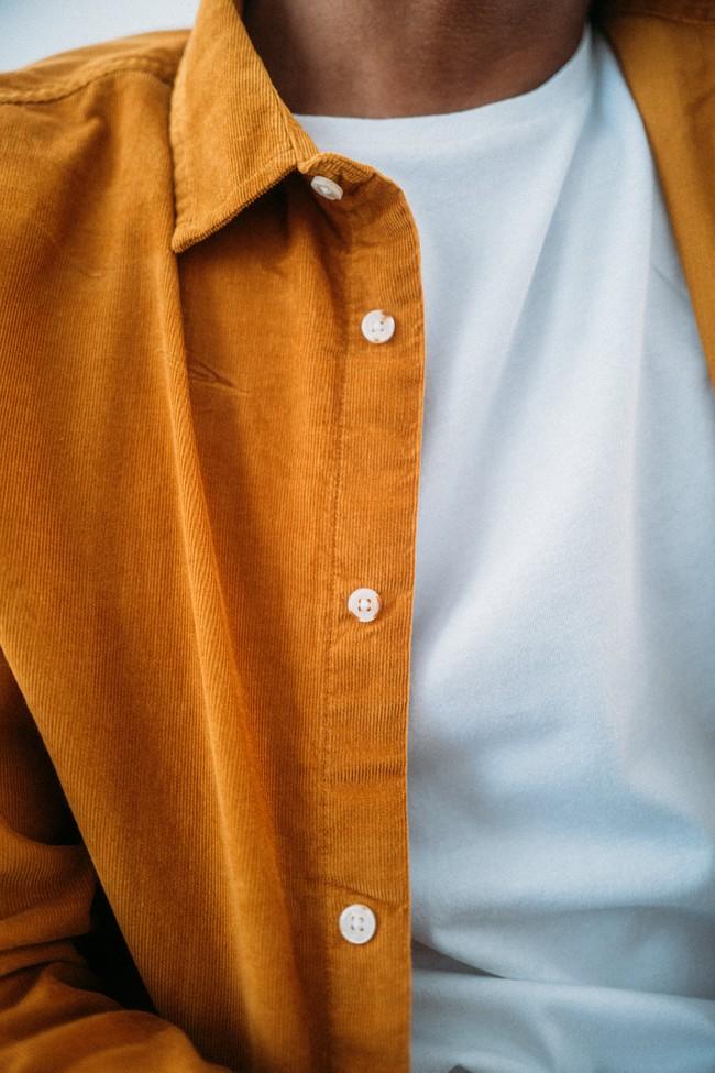 Chemise moutarde velours fin en coton bio - elder - Knowledge Cotton Apparel num 1