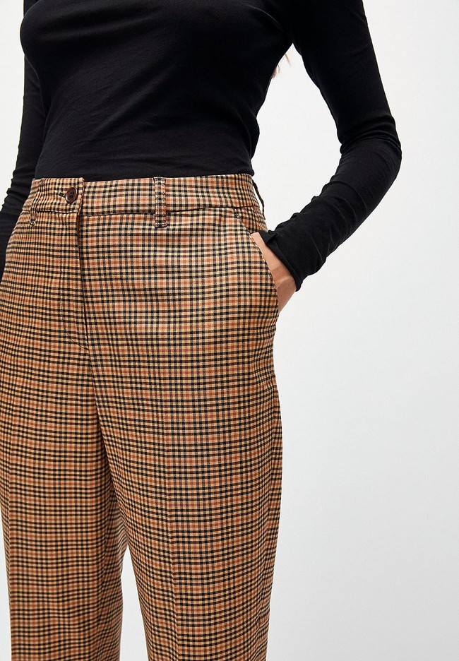 Pantalon à pinces carreaux marron en tencel - herttaa check - Armedangels num 3