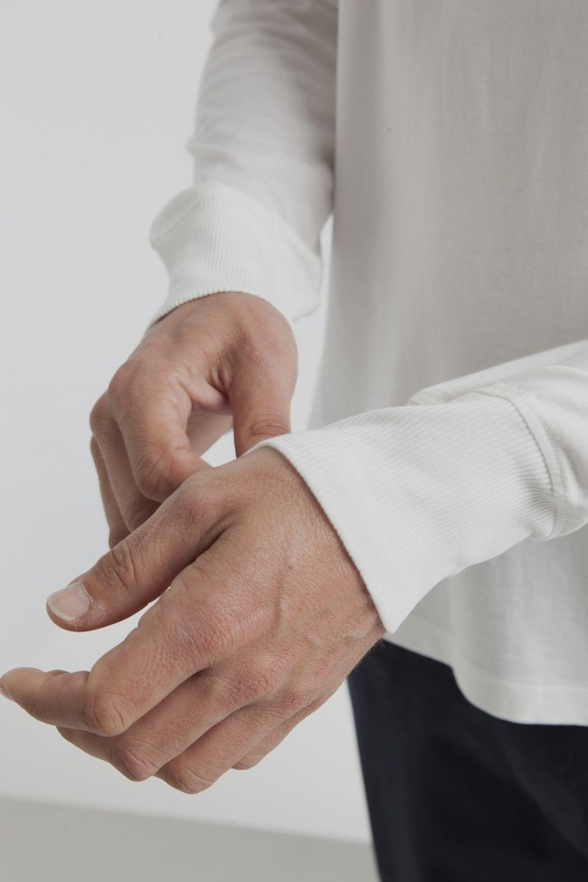 T-shirt manches longues col boutons blanc en coton bio - Thinking Mu num 3