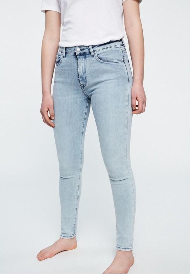 Jean skinny bleu clair en coton bio et tencel - tilly - Armedangels