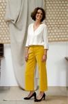L'incomparable - pantalon large en velours côtelé jaune - C. Bergamia - 3