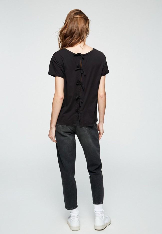 T-shirt avec nœuds noir en coton bio - ilkaa - Armedangels