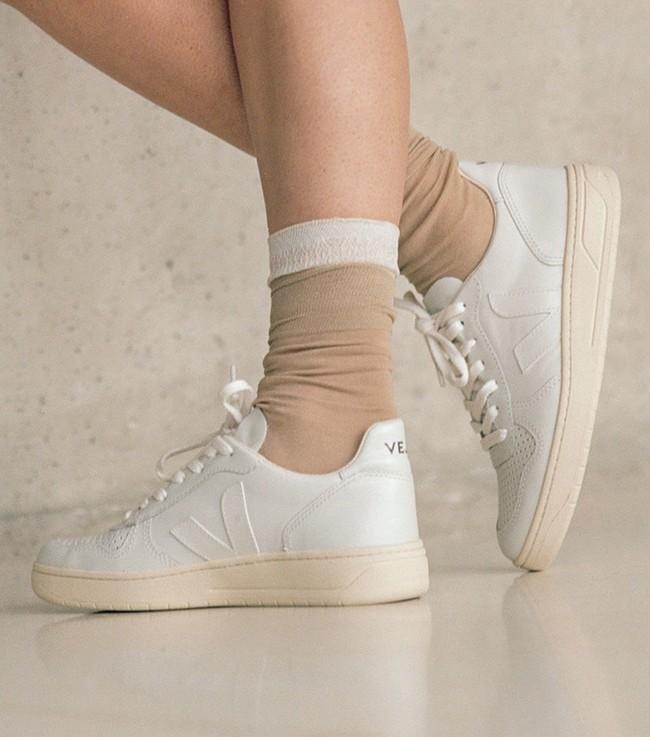 Baskets v-10 extra white - Veja num 3