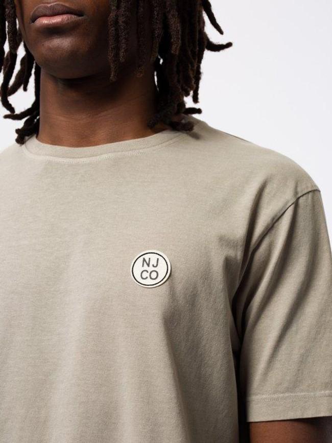 T-shirt ample taupe logo blanc en coton bio - uno njco circle - Nudie Jeans num 3