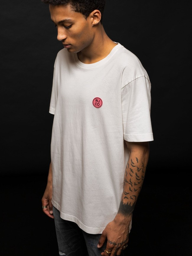 T-shirt ample blanc logo rose en coton bio - uno njco circle - Nudie Jeans num 3