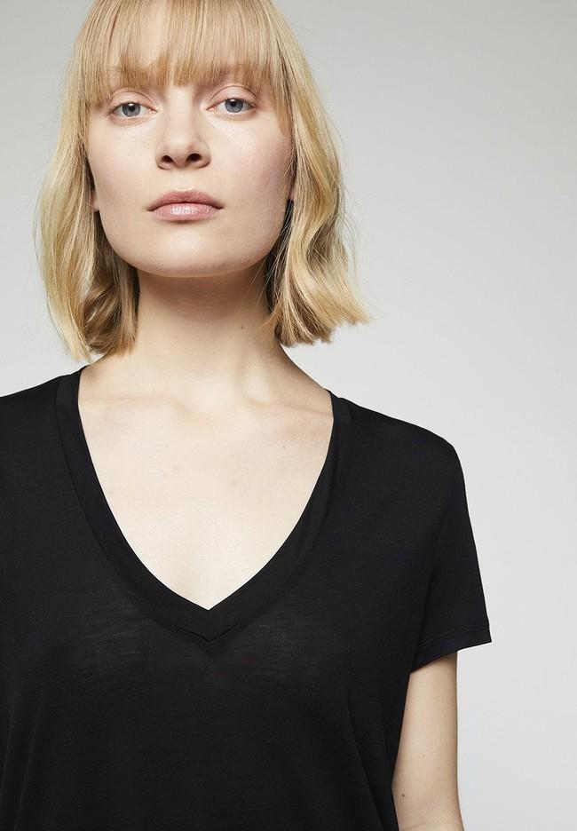 T-shirt col v noir en tencel - juliaa - Armedangels num 3
