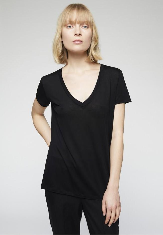 T-shirt col v noir en tencel - juliaa - Armedangels