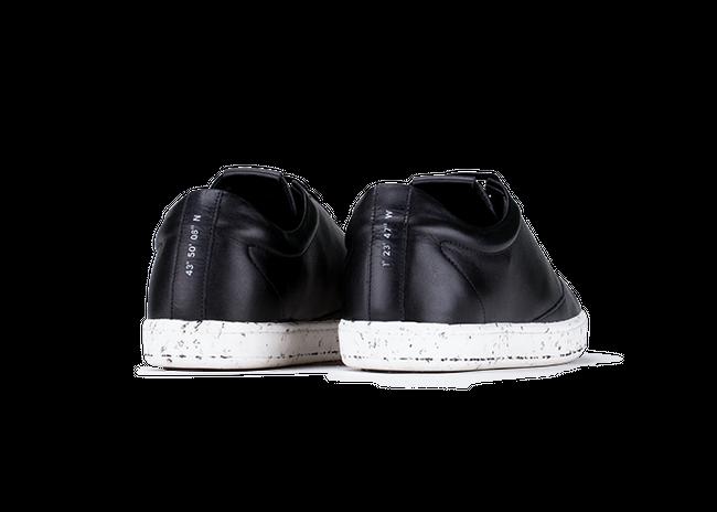 Chaussure en gravière cuir noir / semelle mouchetée - Oth num 2