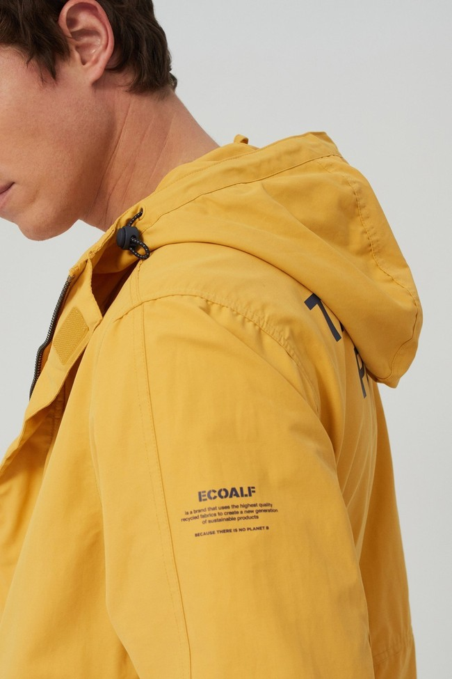 Veste jaune en coton bio et nylon recyclé - junabee - Ecoalf num 2