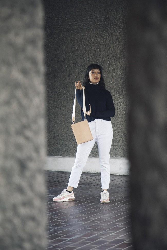 Sac beige en cuir recyclé - book bag - Walk with me num 4
