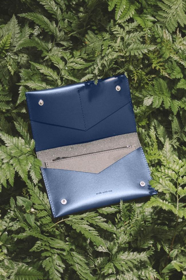 Portefeuille marine en cuir recyclé - flat purse - Walk with me num 1