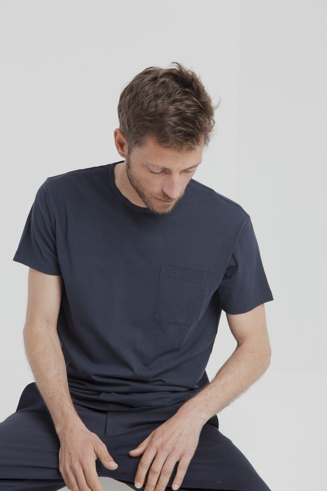 T-shirt uni marine avec poche en coton bio - Thinking Mu num 1