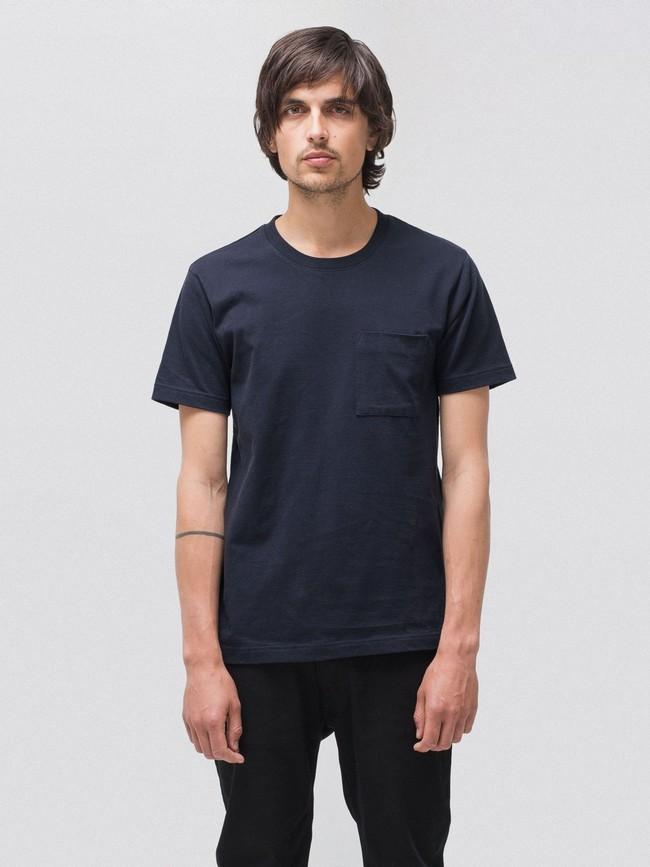 T-shirt bleu marine avec poche en coton bio - kurt - Nudie Jeans
