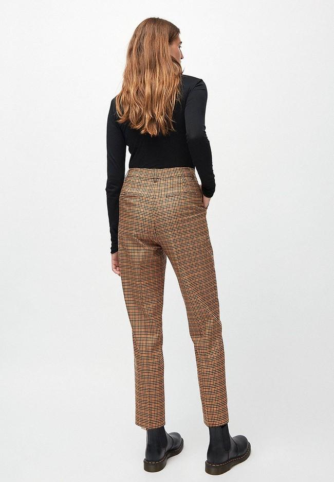 Pantalon à pinces carreaux marron en tencel - herttaa check - Armedangels num 2