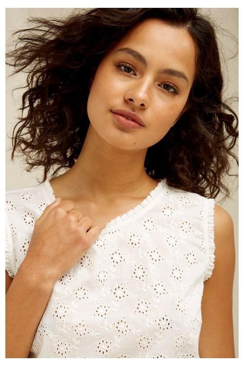 T-shirt sans manches blanc motifs broderie - katrina - People Tree num 1