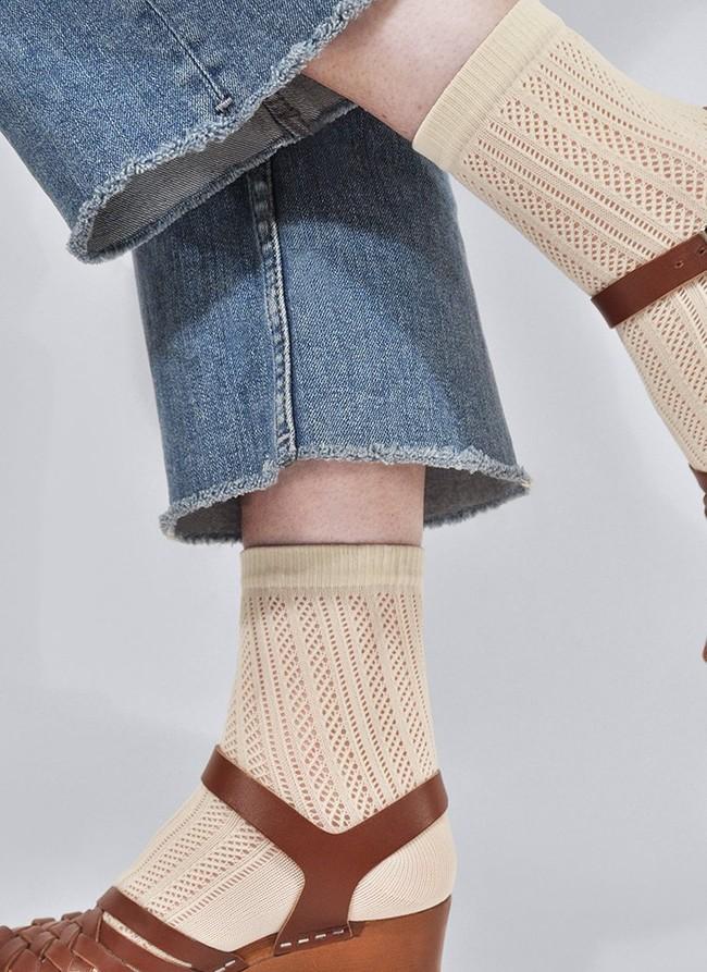 Chaussettes hautes beiges à motifs en polyamide recyclé - klara - Swedish Stockings num 2
